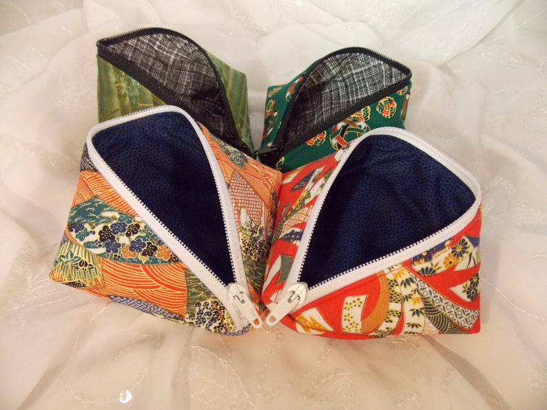 Sweetpea Pod Zippered Pouch~Asian Pouch~Asian Print Pouch~Zippered Pouch~Coin Purse~Zippered Bag~Small Organizing Pouch