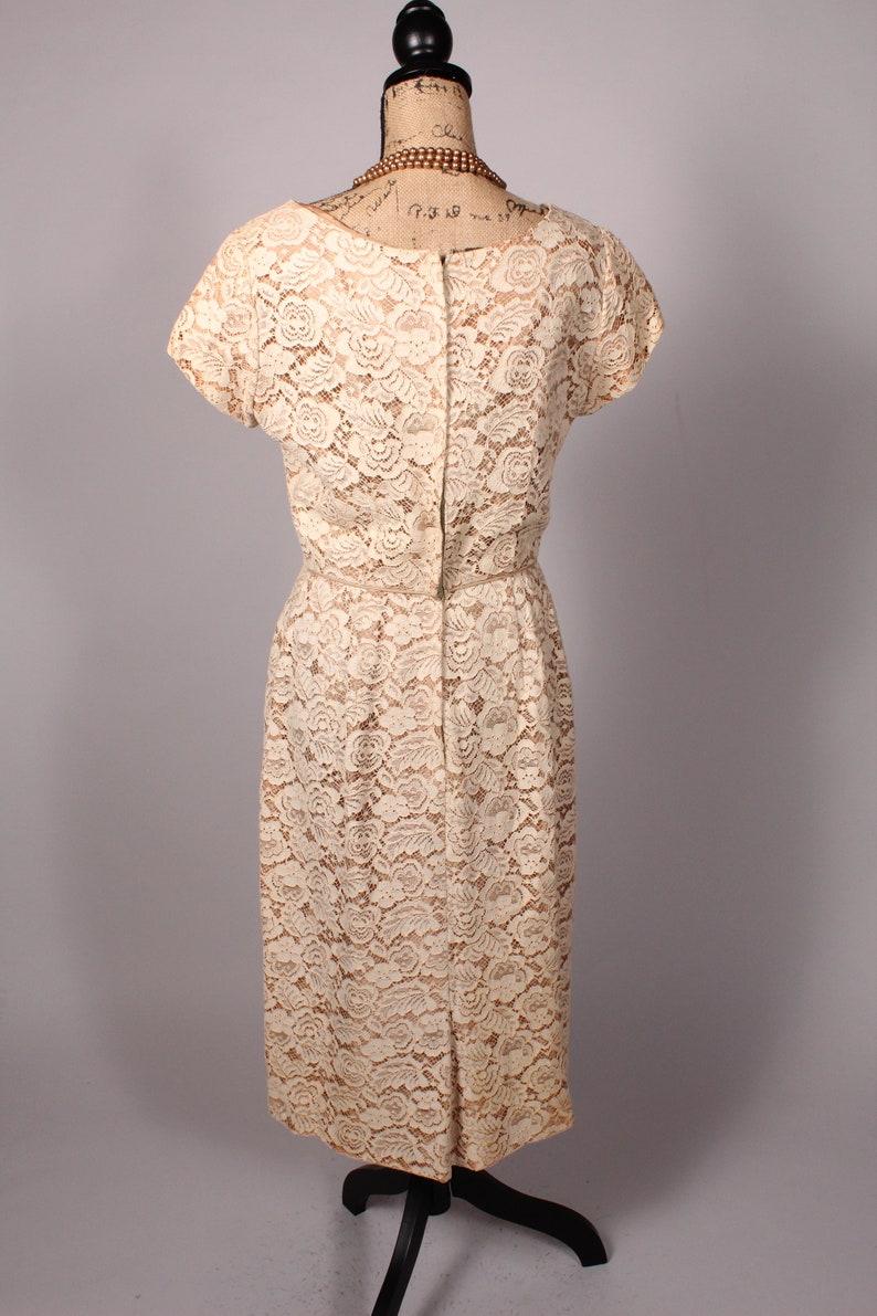 50s Dress   Vintage 50s Cream Tan Lace Dress Size M 29 waist metal back zipper
