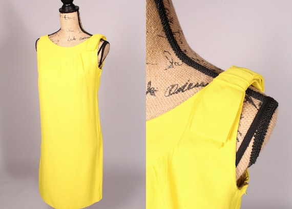 60s Dress //  Vintage 60s Bright Yellow Shift Dres
