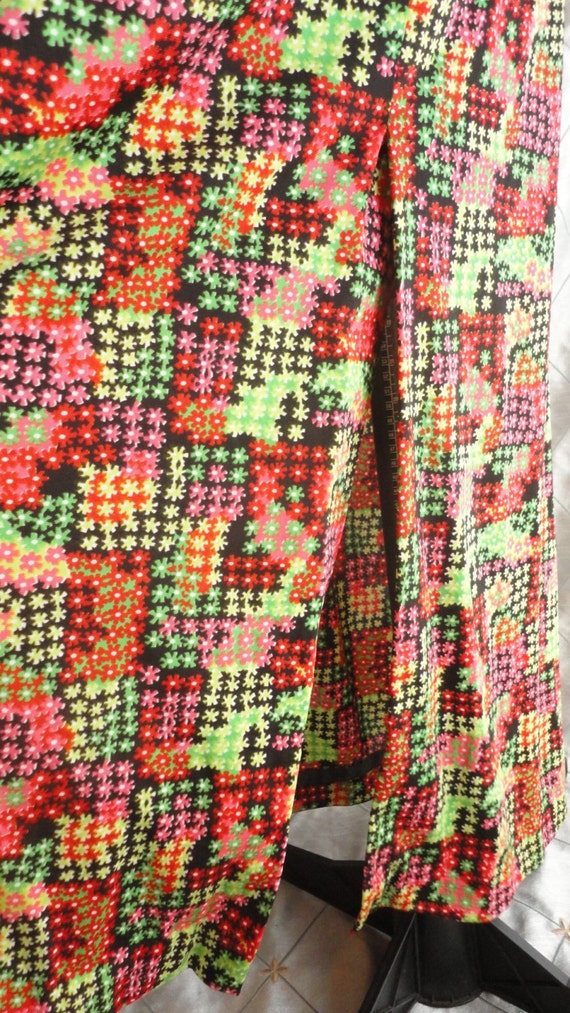 60s Dress // Vintage 1960s Red and Green Print Sl… - image 4