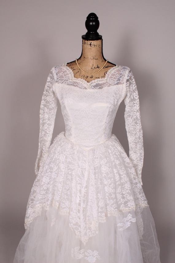 50s 60s Wedding Dress //  Vintage 50s 60s White L… - image 4