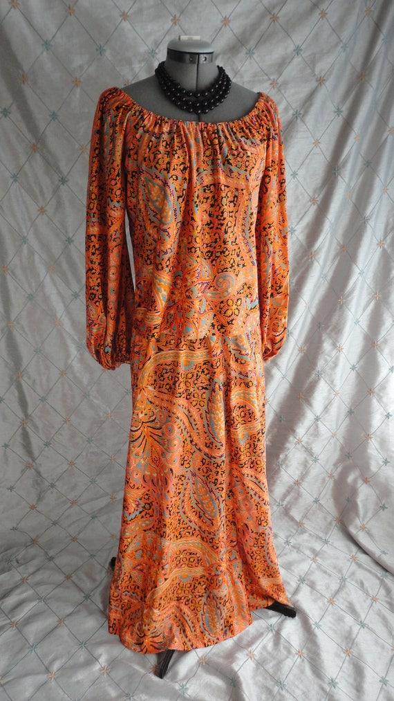 60s 70s Dress //  Vintage 60s 70s Orange Paisley … - image 2
