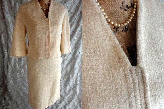 Lilli Ann  //  Vintage 60s Ivory Cream Lilli Ann S