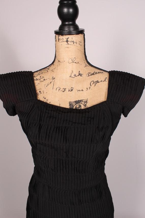 Vintage 50/'s Dress   Vintage 1950/'s Black Rayon Shirred Dress Size S 24 waist little black dress LBD as-is