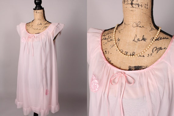 50s 60s Nightgown //  Vintage 50s 60s Pale Pink Ch
