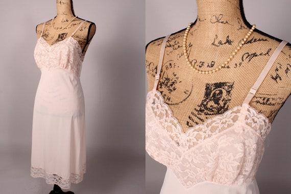 50s 60s Slip //  Vintage 50s 60s Light Pink Lace S