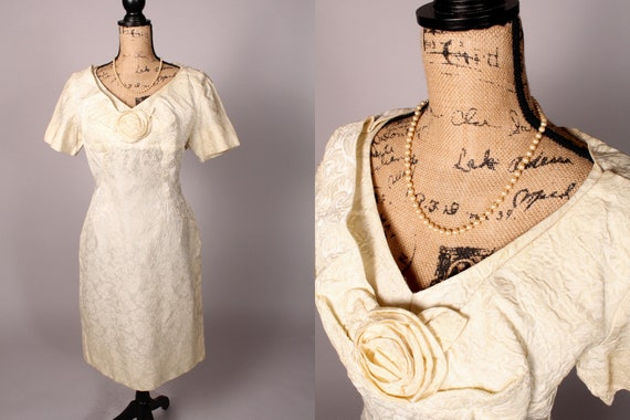 50s 60s Dress //  Vintage 50s 60s Ivory Cream Text