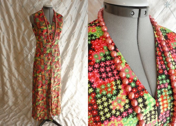 60s Dress // Vintage 1960s Red and Green Print Sl… - image 1