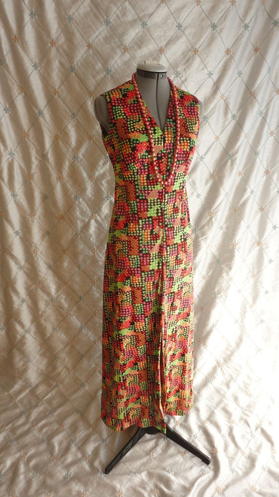 60s Dress // Vintage 1960s Red and Green Print Sl… - image 2