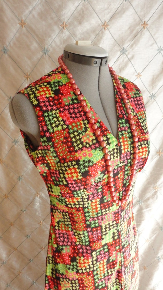 60s Dress // Vintage 1960s Red and Green Print Sl… - image 3