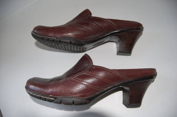 a3b2f66a81 Brown Leather Shoes 1990s Ladies Sofft Shoes Size 7.5 M