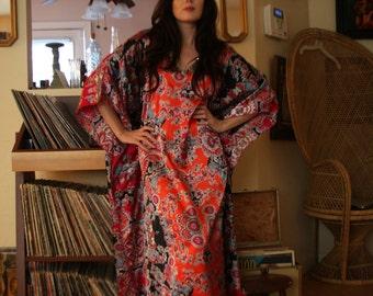 82861a70d3345 Vintage bohemian gypsy hippie style caftan