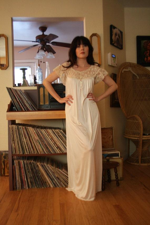 Super soft petite vintage lace night gown