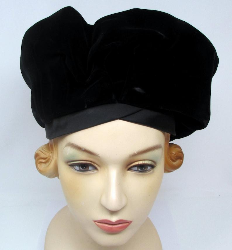 2762d04c6cbce Darcel Black Velvet Hat Designer Vintage Avant Garde Beret