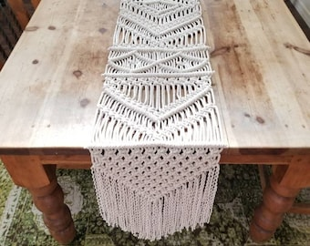 Macrame table runner/woven runner/bohemian decor