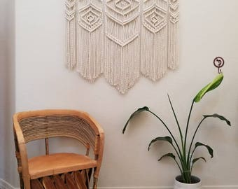 Large macramé wall hanging, weaving, boho wall decor, wedding backdrop.
