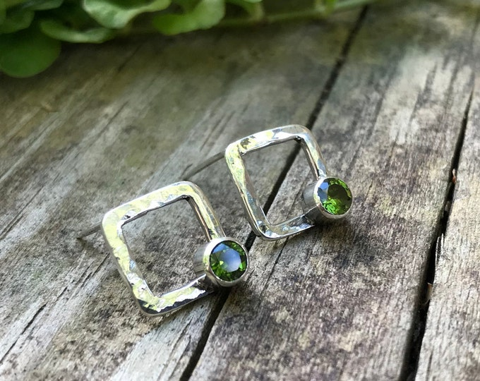 Hammered Square Earrings with Gemstone (Peridot shown)