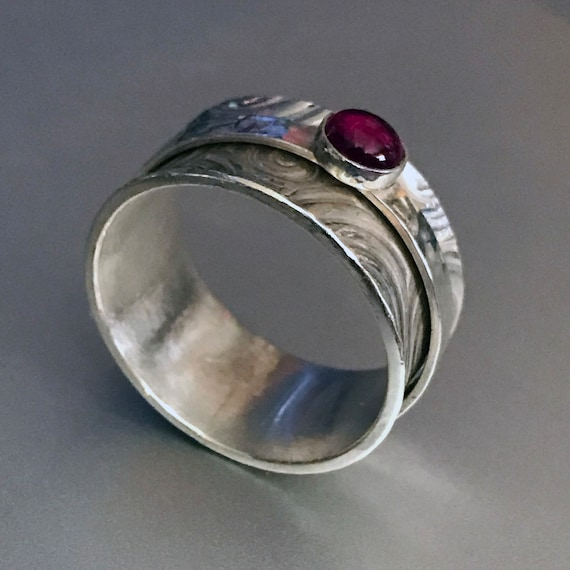 Ruby Swirl Spinner Ring