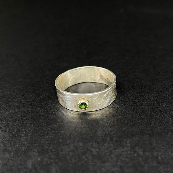 Textured Silver Band with Peridot