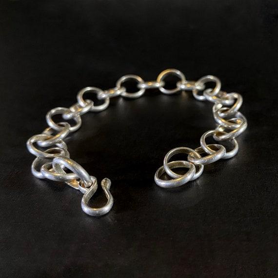 Half Rould Loop bracelet