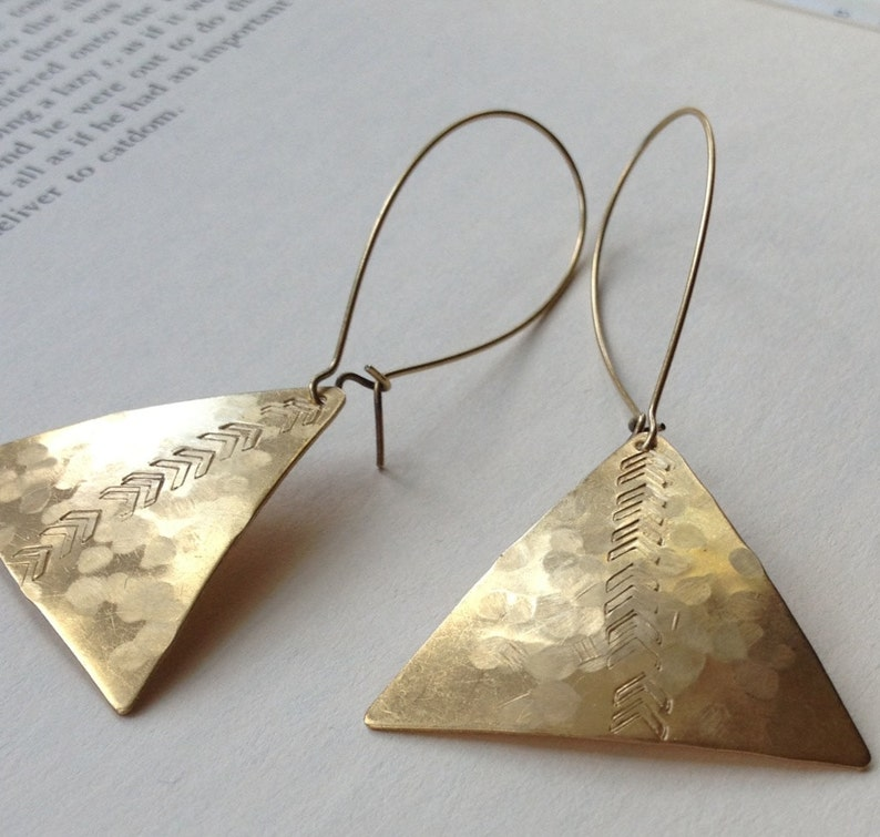 Hammered brass triangle earrings with arrows Long brass image 0