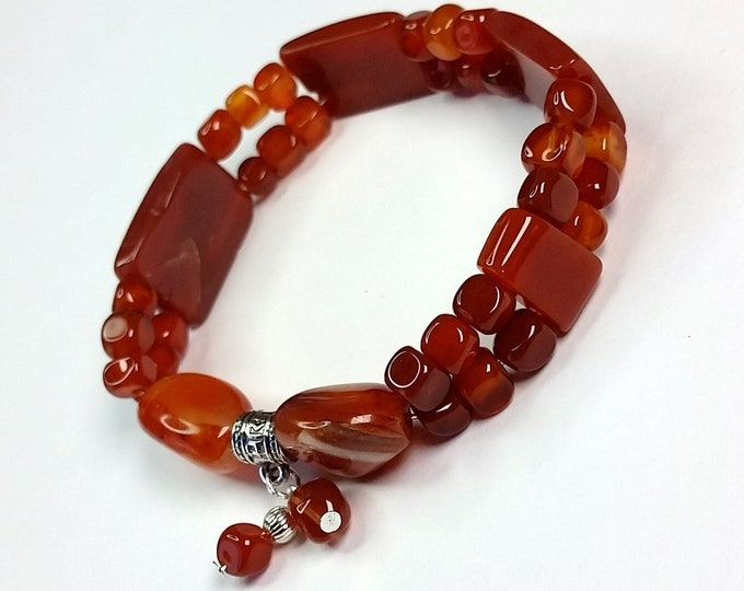 Fiery Orange Carnelian Stretch Bracelet - Coppery Orange Natural Semiprecious Carnelian Bracelet