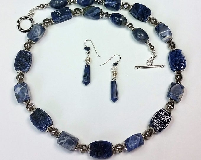 Carved and Faceted Faded Jeans Blue Sodalite Nuggets Necklace Set - Denim Blue Carved and Faceted Sodalite Necklace and Earrings