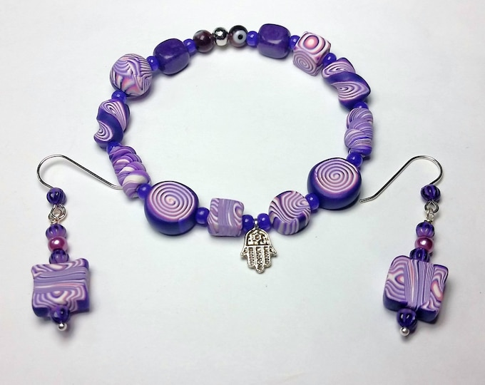 Fun, Funky Purple & White Swirl Striped Stretch Bracelet n Earrings Set - Perky Purple Polymer Bracelet w/Asymmetrical Pattern n Bead Shapes