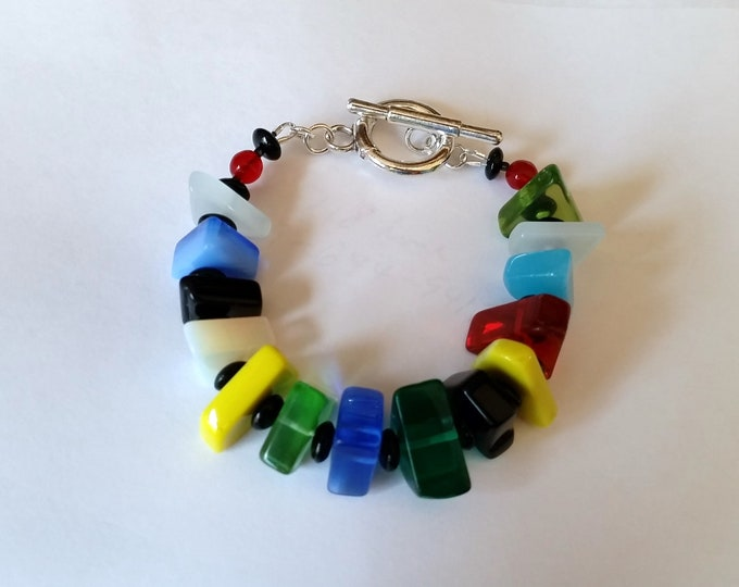 Art Glass MultiColor Bracelet with Toggle Clasp - Polished Flat Random Shapes Colorful Glass Bead Bracelet