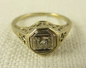 Size 4.25 Antique Deco Platinum Filigree and .25ct Diamond Ring