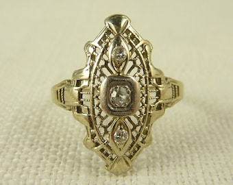 WW) Size 6.25 Antique Art Deco 18K White Gold Filigree and Diamond Pointed Ring