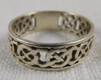 Vintage Sterling Silver Celtic Knot Ring