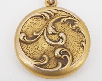 antique victorian 10k gold photo locket with original photos - ww