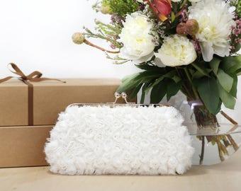 Rosebuds mariée Ivoire Floral embrayage sur cadre en or Rose sac à main | Pochette de mariée en mousseline de soie