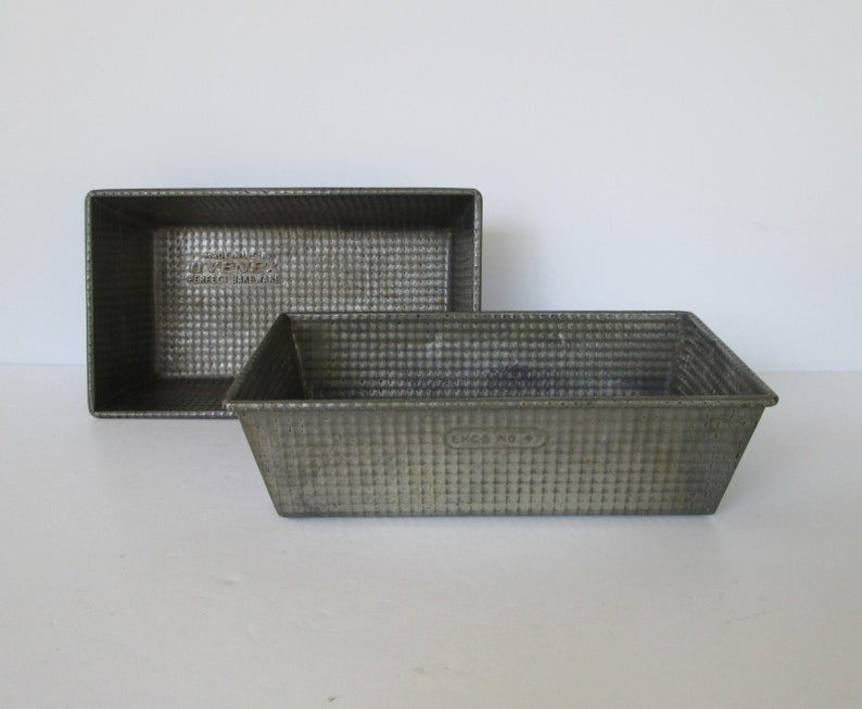 Set of Two 9.5 x 5.5 Ovenex Loaf Pan