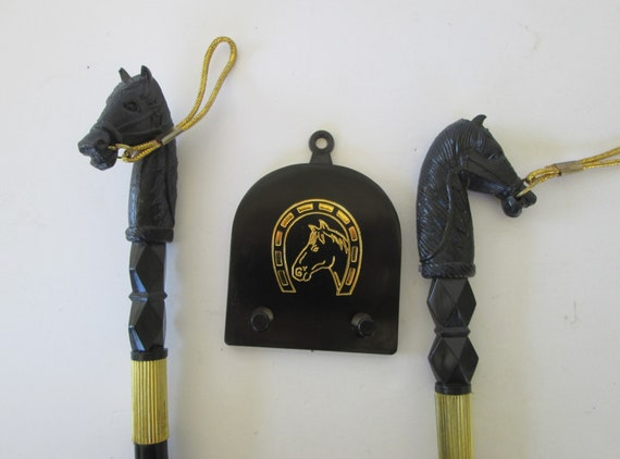 Black Horse Head and Bamboo Handle Shoe Horn