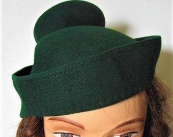 7cb3c366eea 1940 s Paige Hunter Green Wool Felt Fez Style Hat