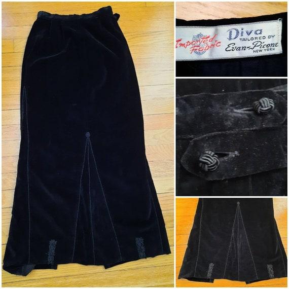 1950s Diva Black Velvet Fit and Flare Skirt