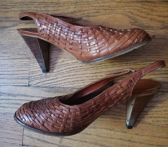70s Brown Woven Leather Slingback Pumps with Wood