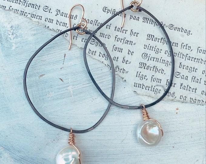 L U C C A // Modern Geometric Dangles // Modern Earrings // Pearl Earrings // Minimalist // Leah Pastrana // Mixed Metal Earrings //