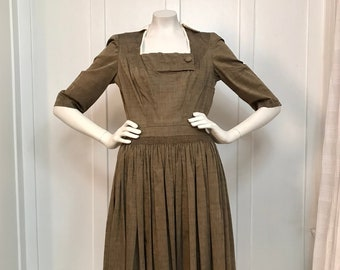 Vintage 1950s Brown Cotton Day Dress w/Pleated Skirt