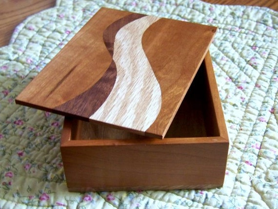 Double S wood box