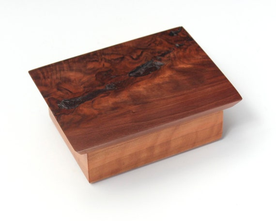 Broken Beauty Box 189