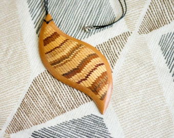 Governor's Mansion Wood Necklace