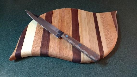 Leaf shape cutting board