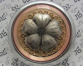 Aspect rustique du miroir Compact Floral rose miroir Compact miroir compact est livré avec pochette de protection cornouiller