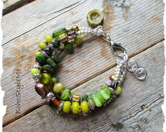 Bohemian Bracelet, BohoStyleMe, Pistachio Green Fashion Jewelry, Nature Inspired Peaceful Green Stone Bracelet
