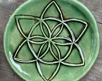Seed of life trivet dish in green