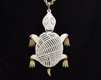 17eceb6b65653f Turtle Necklace Vintage 1970s White Metal and Gold Tone Turtle Marked Alan  Free Shipping