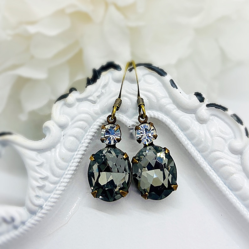 Present for Mom  Jewelry  Victorian Earrings  Black  image 0